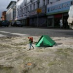 Little People – Miniature Street Art Project