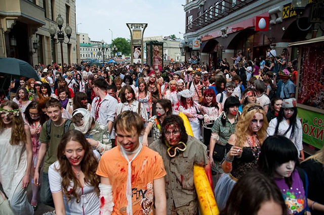 Moscow_Zombie_Parade_Mob