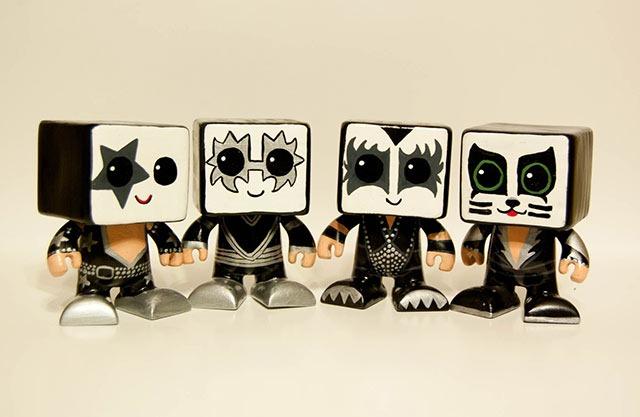 Kiss_Heartbot_Dolls