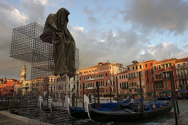 public-biennale-de-arte-venezia-italy-christoph-luckeneder-manfred-kielnhofer-t-guardians-sculpture-art-arts-3124