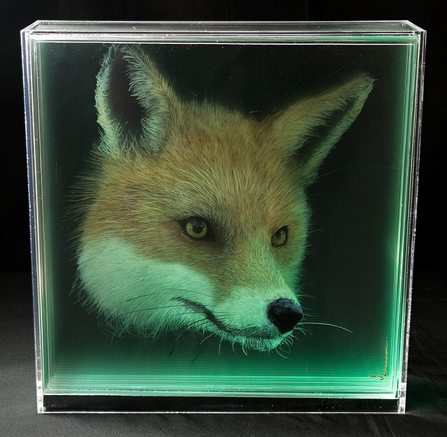 Fox-Holographic-Paintings-of-Animal-Heads-by-Yosman-Botero