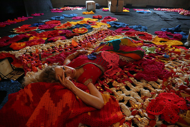Olek-Rain-Basera-Crocheted-Yarn-Installation-in-New-Delhi-06