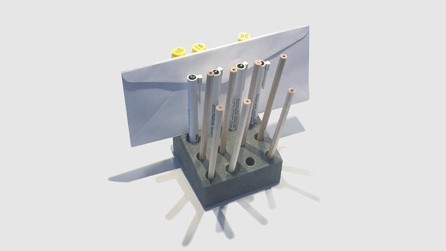 DIY_Concrete_Pen_Letter_Holder1