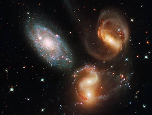 Hubble_Space_Telescope_Galaxy_Clash