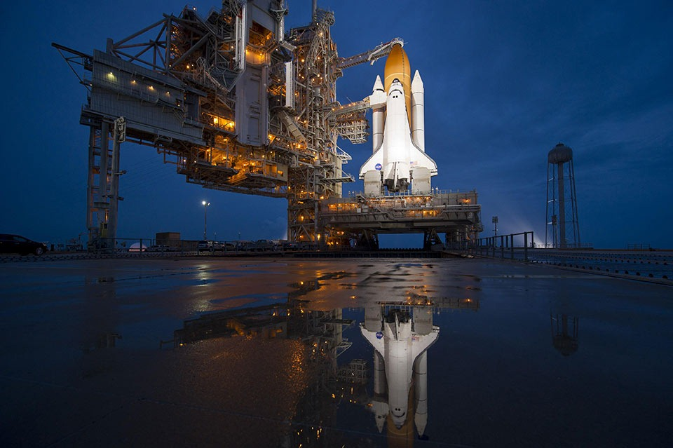 Nasa-Space-Shuttle-Atlantis-Large