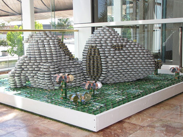 Snoopy-Canstruction-