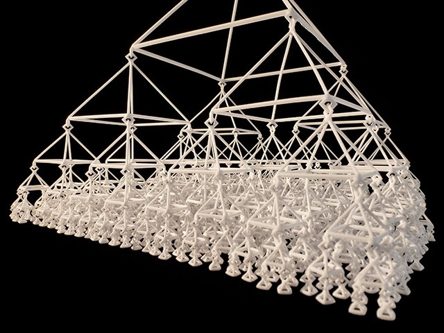 3D_Printed_Mobile_Quternary_Tree_Level6_by_Marco_Mahler_and_Henry_Segerman_1