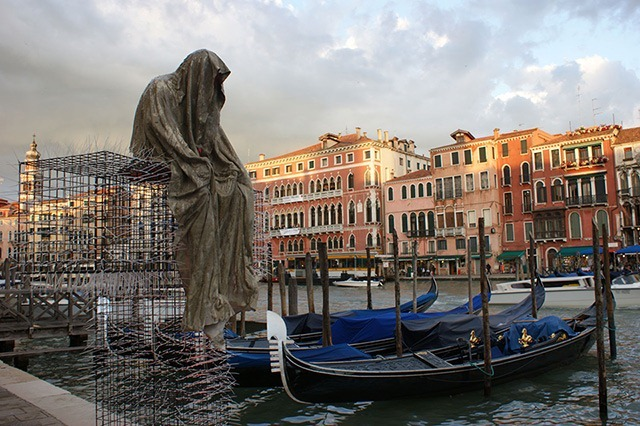 public-biennale-de-arte-venezia-italy-christoph-luckeneder-manfred-kielnhofer-t-guardians-sculpture-art-arts-3119