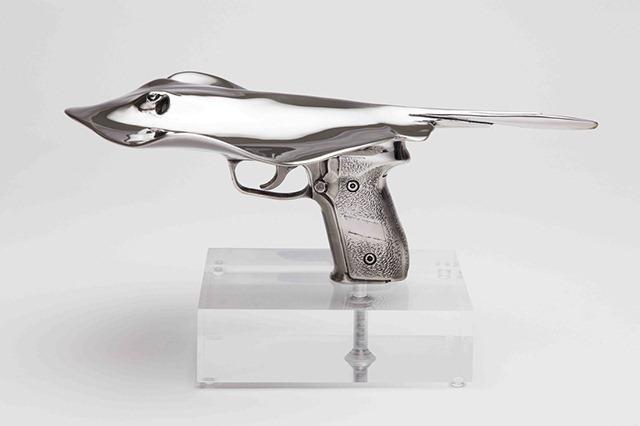 Shark-Gun-stainless-steel-sculptures-by-Chris-Schulz-Leopard_Ray-Gun