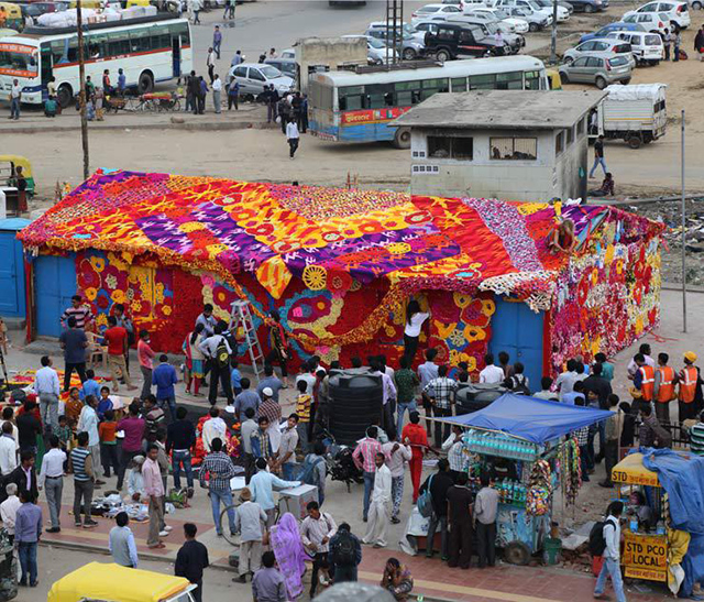 Olek-Rain-Basera-Crocheted-Yarn-Installation-in-New-Delhi-07