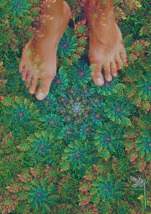 Under-my-feet-with-5Meo-DMT-Filip-Aura-2016