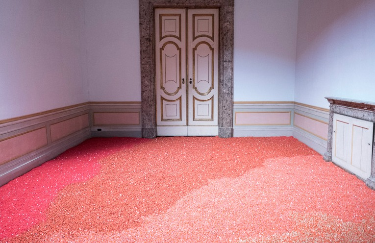 Millions of Empty Capsules Form Large Colorful Mosaics in Daniele Sigalot's Amazing Art Installation