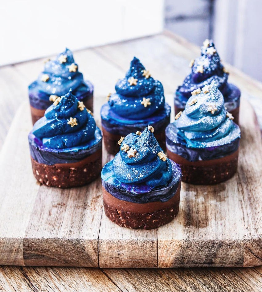 Sam Murphy Galaxy Cupcakes