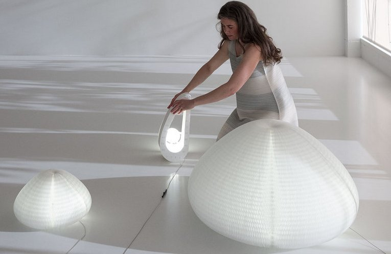 Molo Studio's Soothing Urchin Softlight Will Change It's Shape Based on Your Touch